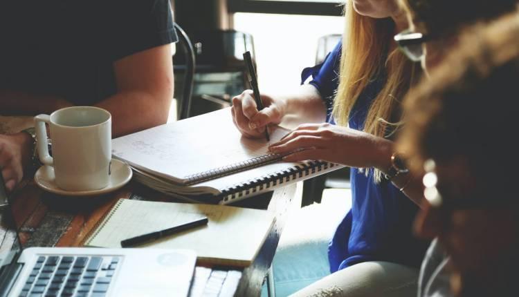 content team brainstorming ideas
